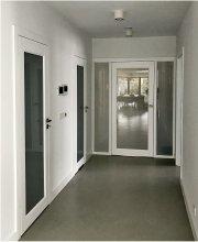 białe drzwi wewnętrzne przeszklone kamadoor