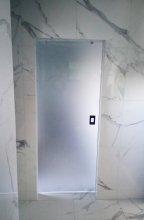 drzwi przesuwne szkalne do łazienki